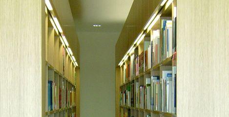 Regalbeleuchtung der Bibliothek der FHSV Meißen - SFH Ingenieurbüro Dresden